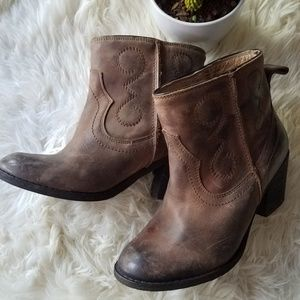 Seychelles distressed leather western boots, 6.5